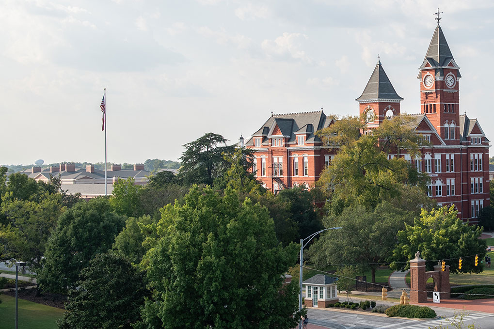 Samford Hall and the campus of Auburn University